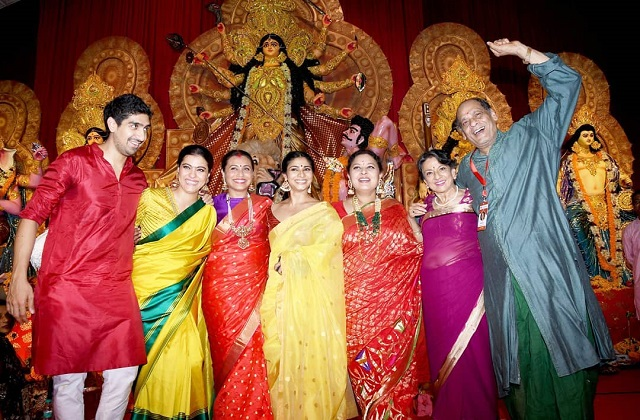 Bollywood star arrived Durga's blessings